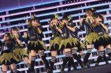 新曲を披露したHKT48