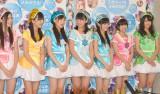 AKB研究生7人組ユニット・てんとうむChu!(左から)北川綾巴(SKE48)、田島芽瑠(HKT48)、西野未姫(AKB48)、小嶋真子(AKB48)、岡田奈々(AKB48)、朝長美桜(HKT48)、渋谷凪咲(NMB48)(撮影:高橋直子)