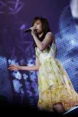 卒業以来初めてAKB48のコンサートに登場した前田敦子 (C)AKS