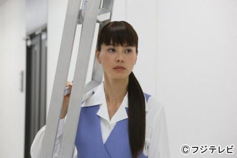 『ショムニ2013』の主人公・坪井千夏を演じる江角マキコ