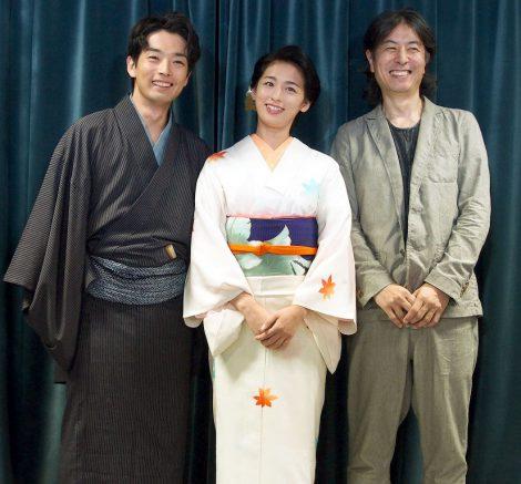 (左から)森山未來、尾野真千子、音楽を担当した金子隆博(米米CLUB)=NHKドラマ『夫婦善哉』試写会 (C)ORICON NewS inc.