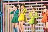AKB48の新曲「恋するフォーチュンクッキー」〜『AKB48 2013真夏のドームツアー』大阪公演の模様 (C)AKS