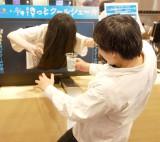 1日店長の貞子にお客さんもタジタジ=『貞子ときっとク〜ルシェ〜キ』発売記念イベント (C)ORICON NewS inc.
