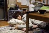 自堕落な日々を送るタマ子を演じた前田敦子の女優としての新境地にも注目(C)2013『もらとりあむタマ子』製作委員会
