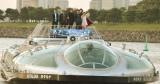 松本氏がデザインを手がけた水上バス「ホタルナ」に乗車