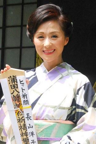 デビュー30周年を迎え、今後の抱負を語った長山洋子=蒲田で行われた初のふるさと凱旋コンサート (C)ORICON NewS inc.