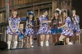 新公演決定にはしゃぐAKB48メンバー (C)AKS
