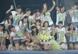 「それでも好きだよ」を披露した指原莉乃とHKT48の1期生メンバー(撮影:鈴木かずなり)