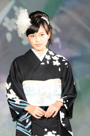 サムネイル 第53回清鈴苑きものショー『KIMONO COOL & BEAUTY』に出演した川口春奈