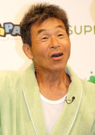 資生堂『スーパーマイルド パパフロ・オブ・ザ・イヤー2013』表彰式に出席した間寛平 (C)ORICON NewS inc.