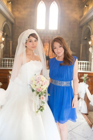 サムネイル 上原多香子(左)に結婚ソングをプレゼントした今井絵理子