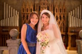 今井絵理子(左)のMVに花嫁姿で友情出演した上原多香子
