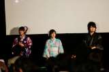 『あの花夏祭りinちちぶ』トークショーの模様(左から)早見沙織、茅野愛衣、近藤孝行(C)ANOHANA PROJECT