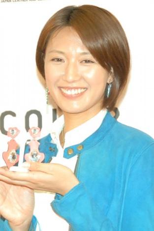 夫婦円満をアピールしていた浅尾美和=『レザーニスト2013』発表会 (C)ORICON NewS inc.