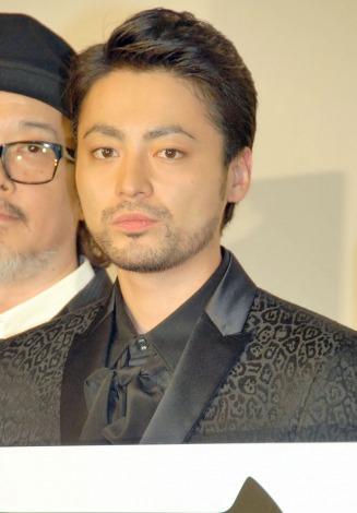 主演映画『凶悪』の完成披露舞台あいさつに出席した山田孝之 (C)ORICON NewS inc.