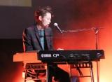 ピアノの弾き語りを披露し号泣した菅田将暉
