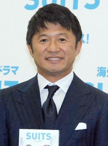 この日のために新調した総額50万円のスーツで登場した武田修宏=海外ドラマ『SUITS/スーツ』DVDリリース記念イベント (C)ORICON NewS inc.