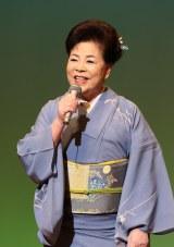 退院後初のステージで8曲を歌った三笠優子