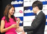 P&G新製品『ジレット プログライドシルバー』トークイベントに出席した(左から)吉村崇、相武紗季 (C)ORICON NewS inc.