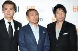(左から)渡部篤郎、松本人志、大森南朋 (C)吉本興業株式会社