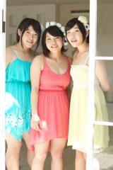 ビッグダディ3姉妹が初グラビア! (左から)三女・詩美さん、次女・柔美さん、四女・都美さん