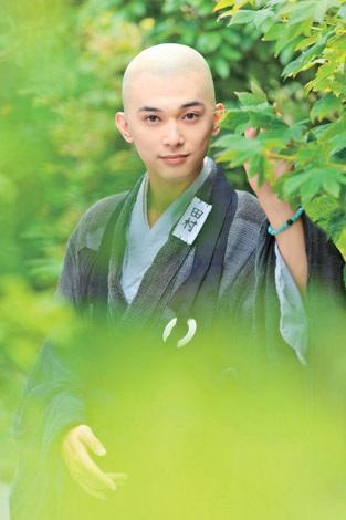 主人公・田村正助を演じる吉沢亮(C)2013「ぶっせん」製作委員会