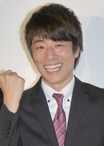 生放送終了後、喜びの会見を開いたロンドンブーツ1号2号・田村淳 (C)ORICON NewS inc.