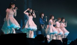 森高千里が℃-uteの武道館コンサートにゲスト出演