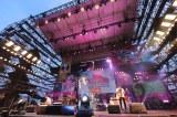 横浜・赤レンガパーク野外特設会場で16年ぶりの単独野外ライブを開いたスピッツ(撮影:上飯坂一)
