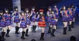新曲「ハート・エレキ」を披露したAKB48=『第4回じゃんけん大会』オープニングライブ(撮影:鈴木かずなり)