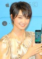 『iPhone5s、iPhone5c発売イベント』に出席した剛力彩芽 (C)ORICON NewS inc.