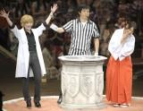 渡辺麻友(左)&柏木由紀の同期対決は、まゆゆが勝利!(撮影:鈴木かずなり)