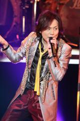 『結成25周年記念ライブツアー2013 〜シハンセイキ伝説〜』の千秋楽公演の模様