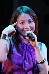 単独ライブ「SPライブ2013秋 Best of YOU!」を開催した吉川 友。