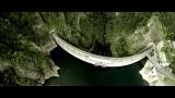 人間の作った巨大建造物がブームの中、ダムマニアが急増中!?=北海道・石狩川水系豊平川の上流に位置する豊平峡ダムをラジコンヘリで空撮