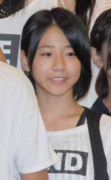 上嶋歩花(うえしま あゆか)中1・13歳 目標:高橋みなみ 「いろんな人に舞台で輝くような笑顔を見てもらって、最後に笑って帰ってもらえるようにしたい」