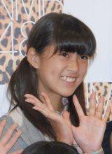 村上遥(むらかみ はるか)中2・13歳 目標:兒玉遥 「みんなを笑顔にできるように頑張ります」