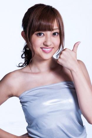 ファッションモデルの菊地亜美さん