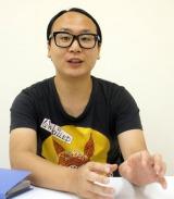 ヲタクライフについて語るトレンディエンジェルの須藤敬志