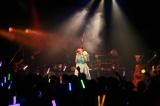 「バースデー&#AYATOMO発足記念ライブ」で全10曲を熱唱した平野綾