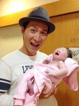 収納王子コジマジックこと小島弘章と杏子夫人の間に第1子男児誕生
