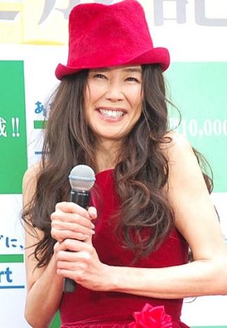 赤の帽子の萬田久子