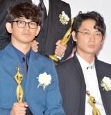 『最高の離婚』に出演した(左から)瑛太、綾野剛 (C)ORICON NewS inc.