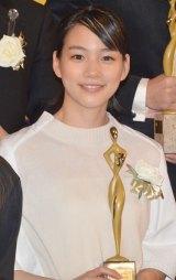 『東京ドラマアウォード2013』授賞式に出席した能年玲奈 (C)ORICON NewS inc.
