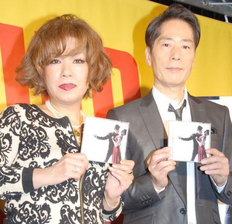 デュエットアルバム『男と女4 -TWO HEARTS TWO VOICES-』発売記念イベントを行った(左から)鈴木聖美、稲垣潤一 (C)ORICON NewS inc.