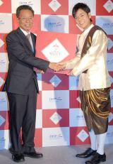 『TRY!THAI SELECTキャンペーン』記者会見に出席したネプチューン・名倉潤(右) (C)ORICON NewS inc.