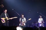 小田和正が名曲「ラブ・ストーリーは突然に」を寺岡呼人、ミスチル桜井和寿と披露(撮影:ほりたよしか)