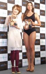 『ジニエブラ』PRイベントに出席した(左から)中澤裕子、ジョアンナ・サンブチーニ (C)ORICON NewS inc.