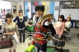 要潤演じる主人公・天川太陽が社長を務めるゲーム制作会社「スタジオG3」の皆さん(C)テレビ東京