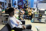 要潤演じる主人公・天川太陽が社長を務めるゲーム制作会社「スタジオG3」のシーン=10月5日スタートのドラマ『東京トイボックス』(C)テレビ東京